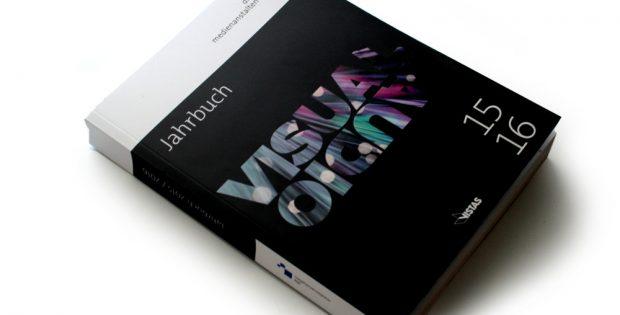 Jahrbuch 2015 / 2016 der Landesmedienanstalten. Foto: Ralf Julke