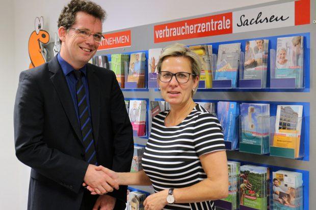 Verbraucherschutzministerin Barbara Klepsch und Andreas Eichhorst, Vorstand der Verbraucherzentrale Sachsen. Foto: VZS
