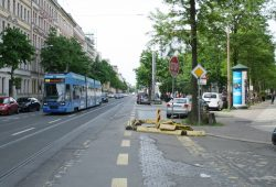 Könneritzstraße / Ecke Holbeinstraße: Auch hier war eine Mobilitätsstation geplant. Foto: Ralf Julke