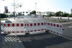 Abgesperrte Kreuzung RackwitzerStraße / Am Gothischen Bad. Foto: Ralf Julke