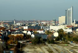 Blick übers Leipziger Dächermeer. Foto: Matthias Weidemann
