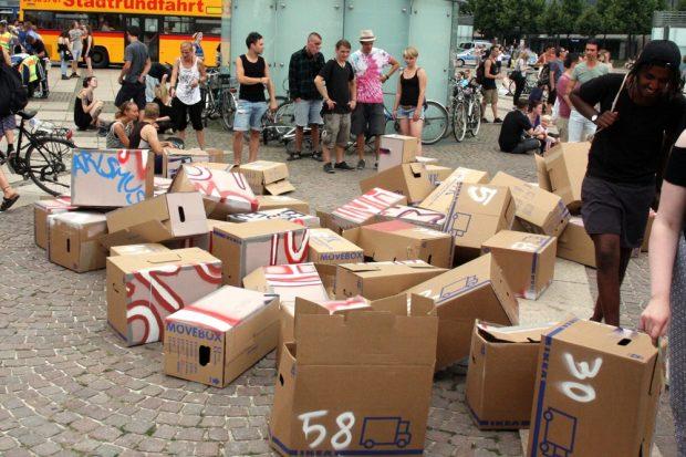 Nochmal kräftig dagegentreten - The Wall is down. Foto: L-IZ.de