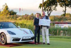 Scheckübergabe an die Stiftung Sporthilfe Sachsen. Foto: Porsche AG