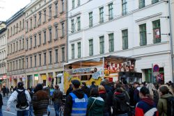 Richtung Innenstadt - gegen Legida demonstrieren. Foto: L-IZ.de