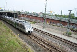 S-Bahn mit Ziel Hauptbahnhof Leipzig. Foto: Ralf Julke
