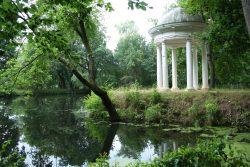 Kleiner Tempel im Schlosspark Lützschena. Foto: Ralf Julke
