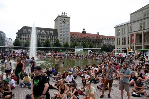 Voller Augustusplatz gegen 17 Uhr. Foto: L-IZ.de