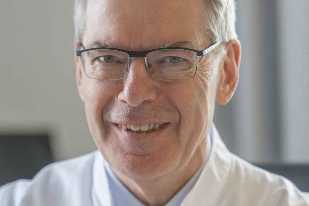 Prof. Dr. Peter Wiedemann, Direktor der Klinik und Poliklinik für Augenheilkunde am Universitätsklinikum Leipzig. Foto: Stefan Straube/UKL