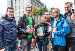 Bündnisgrüne Abgeordnete bei der Briefübergabe. Foto: www.ideengruen.de   Markus Pichlmaier