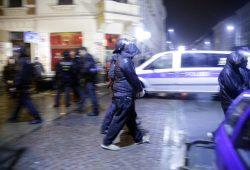 Wohl bald wegen schweren Landfriedensbruch angeklagt. Einer der Verhafteten vom 11. Januar 2016 auf der W.-Heinze-Str. Foto: L-IZ.de