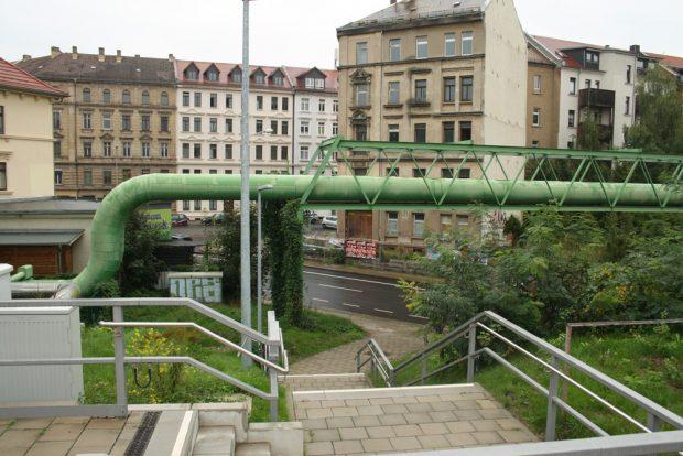 Zugang zum S-Bahn-Haltepunkt Anger-Crottendorf von der Zweinaundorfer Straße aus. Foto: Ralf Julke