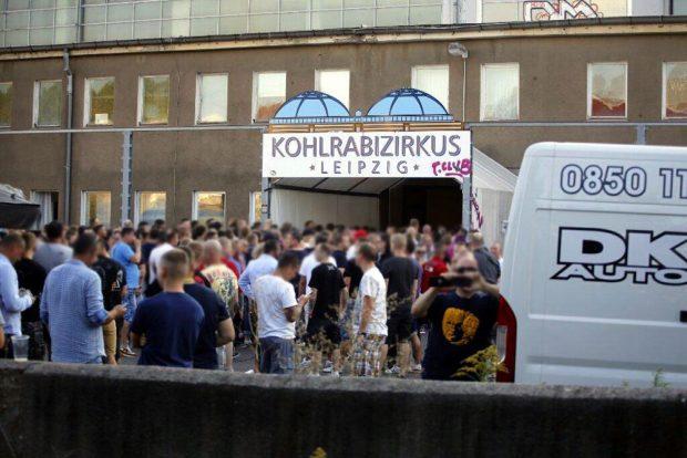 Besucherandrang und Fotowettbewerb bei der Imperium Fight-Veranstaltung. Foto: L-IZ.de