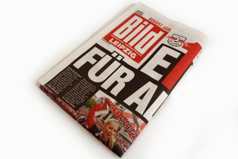 Leo kämpft sich durchs Gratis-Werbeblatt für Leipzigs neuesten Erfolgszirkus