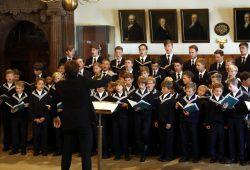 Der Thomanerchor führte Stücke von Bach und Brahms auf. Foto: Alexander Böhm