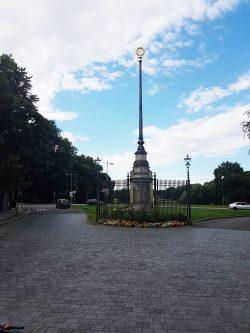 Der Fahnenmast in der Rosentalgasse. Foto: Wolfgang Stoiber