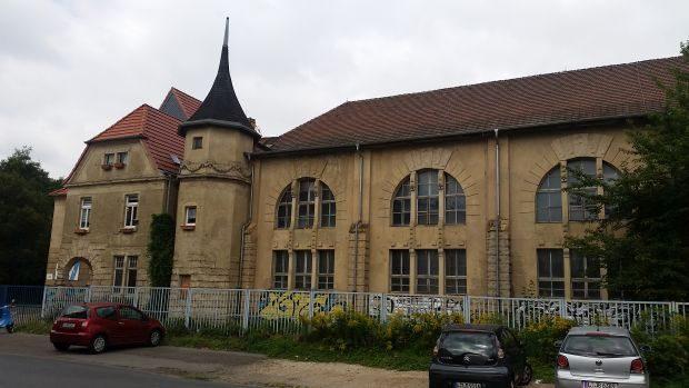 Die Turnhalle des SV Azubi in der Teichstraße - seit diesem Winter gesperrt. Foto: M. Hofmann