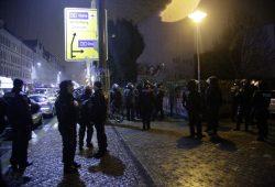 In der Auerbachstraße setzte die Polizei die Randalierer fest. Foto: L-IZ.de