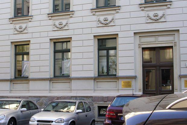 Die angegriffene Kanzlei von Roland Ulbrich (AfD, Patriotische Plattform & Legida-Redner) in der Leibnizstraße. Foto: L-IZ.de