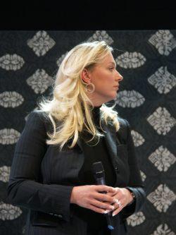 """Prof. Katharina Wagner (Archivfoto) erfand """"Wagner für Kinder"""", alle Hoffnungen gingen auf: Schüler entwerfen in einem Wettbewerb Kostüme, Studenten inszenieren, ein Orchester aus Frankfurt/Oder spielt die musikalische Kurzfassung. Tickets sind begehrt. Kinder dürfen Erwachsene mitbringen! Foto: Karsten Pietsch"""