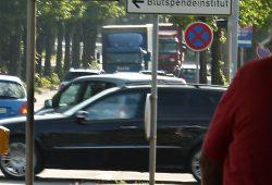 Lkw im Leipziger Tagesgewühl. Foto: Ralf Julke