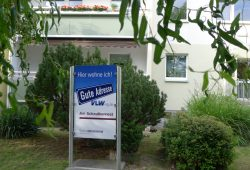 """Der Familienhof wird offiziell """"Am Schwalbennest"""". Foto: VLW"""