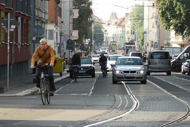 Von Radfahrern viel genutzt: die Arthur-Hoffmann-Straße. Foto: Ralf Julke