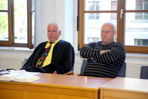 Rechtsanwalt Wolfgang Männel und der Angeklagte Willi N. Foto: Alexander Böhm