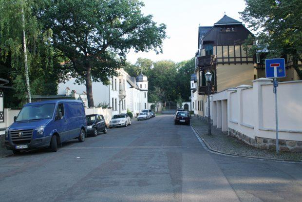 Zufahrt zum Schloss Abtnaundorf. Foto: Ralf Julke