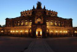 Die Semper-Oper in Dresden. Foto: Matthias Creutziger