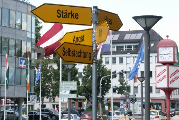 Bayreuther City: Wird hier der Weg gewiesen oder wird weggewiesen? Foto: Karsten Pietsch