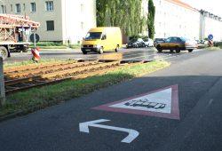 Warnsignet vor der Kreuzung in der Virchowstraße. Foto: Ralf Julke