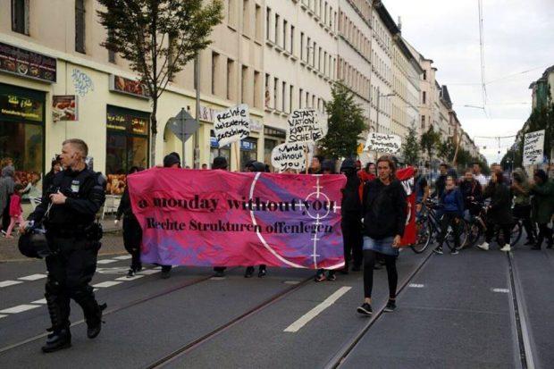 A Monday without you ist 18:30 Uhr auf der Eisenbahnstraße gestartet. Foto: L-IZ.de