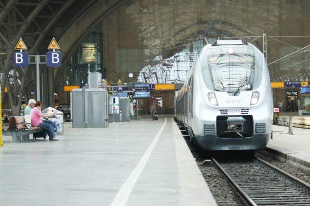 Auch Abellio muss vom 21. bis 25. Schienenersatzverkehr fahren. Foto: Ralf Julke
