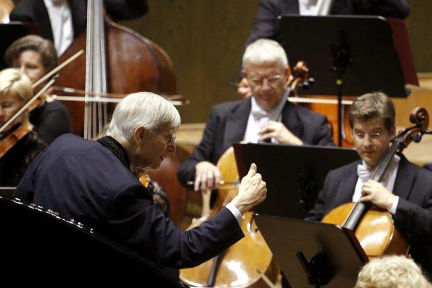 Dirigent Herbert Blomstedt und das Gewandhausorchester. Foto: Alexander Böhm