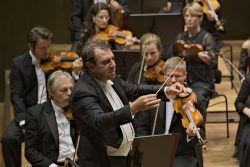 Dirigent Daniele Gatti. Foto: Alexander Böhm
