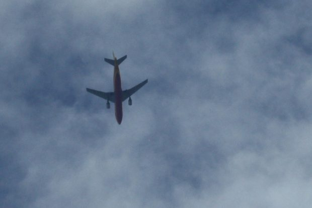 Der Luftverkehr hat seine CO2-Emissionen massiv gesteigert. Foto: Ralf Julke