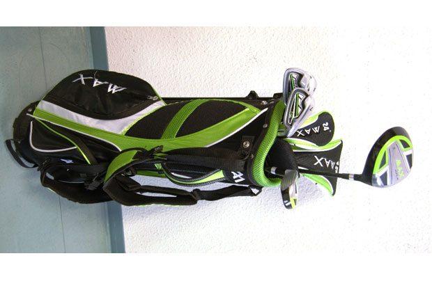 Golfset mit Tasche (inklusive fünf Schlägern und diversen Golfbällen), Hersteller: Big Max Junior. Foto: PD Leipzig