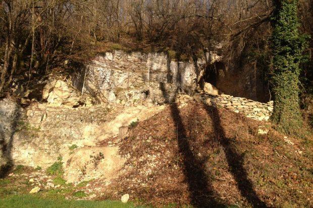 Eingang zur Grotte du Renne (rechts). Foto: MPI für evolutionäre Anthropologie, M. Hardy