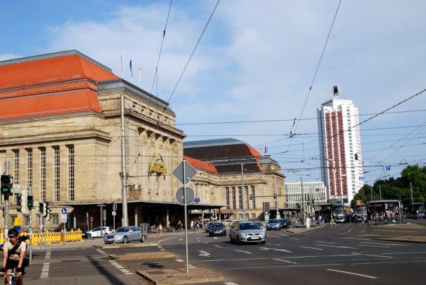 Am 4. Juli im Zentrum des Interesses: Der Legida-Versammlungsort Hauptbahnhof. Foto: L-IZ.de
