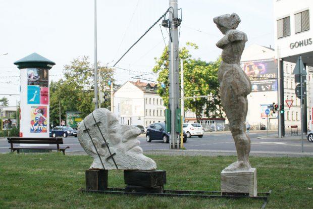 "Christop Hundhammers Plastik ""Judith und Holofernes"" an der Lützowstraße. Foto: Ralf Julke"