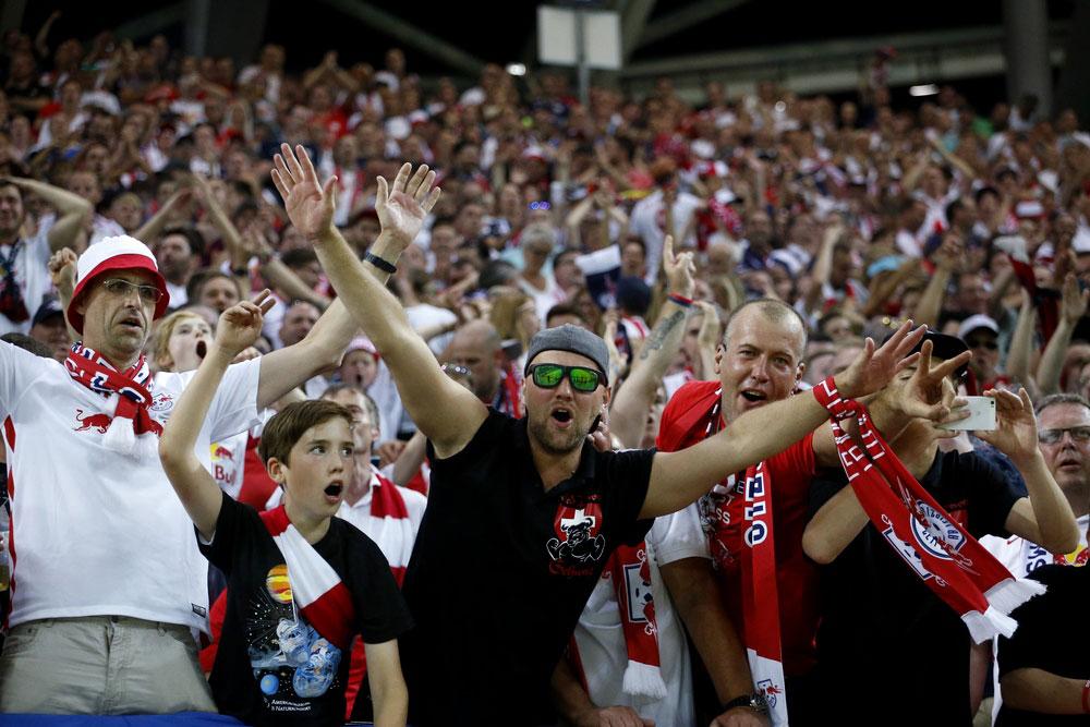 Das Stadion explodiert nach dem Treffer von Keita. Foto: Alexander Böhm