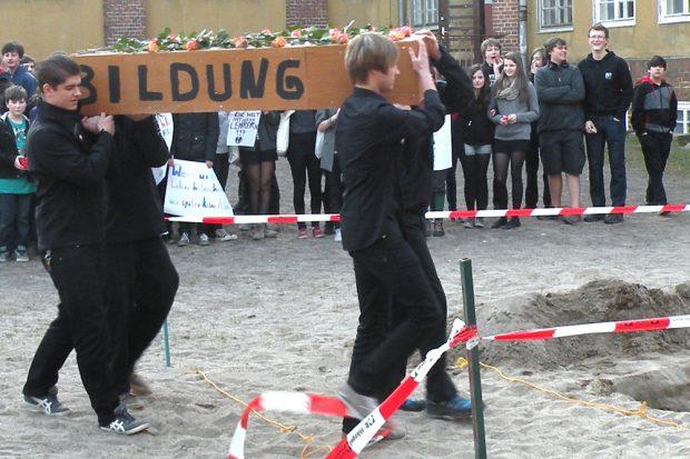 Schülerprotest 2012 in Leipzig. Genützt hat es wenig damals. Foto: Marko Hofmann