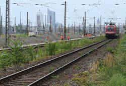 Gleisbauarbeiten an der Berliner Straße. Foto: Ralf Julke