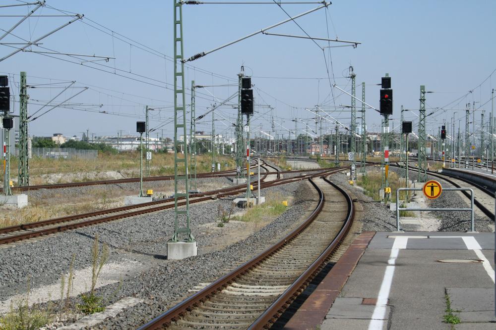 Gleisvorfeld auf der Westseite des Hauptbahnhofs Leipzig. Foto: Ralf Julke