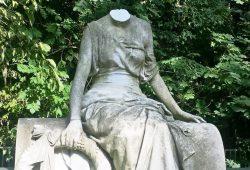 Eine der geköpften Statuen im Südfriedhof. Foto: PD Leipzig