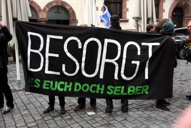 Besorgungen und Besorgte. Der Gegenprotest zu Legida. Foto: L-IZ.de