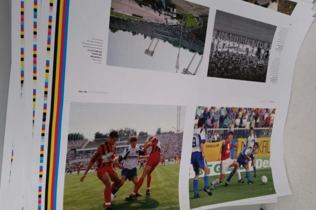 In den 1990ern erlebte Leipzig bereits Bundesliga-Fußball, auch wenn die Stadtverwaltung damals auf öffentliche Beflaggung und Illumination verzichtet hatte. Foto: Matthias Löffler