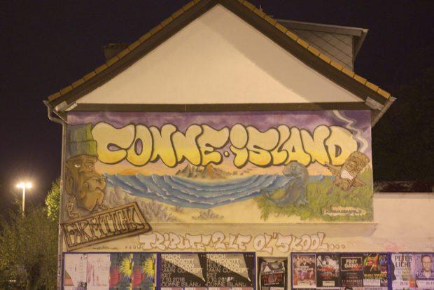 Seit der Wende soziokulturelles Zentrum und Ankerpunkt im Süden Leipzigs, das Conne Island. Foto: Alexander Böhm