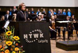 Rektorin Prof. Gesine Grande hieß die Erstsemester des akademischen Jahres 2016/17 herzlich an der HTWK Leipzig willkommen. Foto: Robert Weinhold / HTWK Leipzig