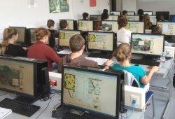 Studentengruppe beim Online-Spiel LandYOUs. Foto: UFZ / Ralf Seppelt
